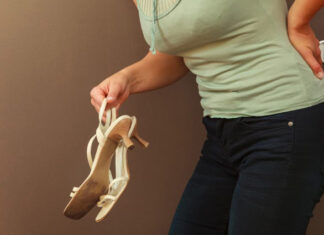 best shoes for back pain article banner image